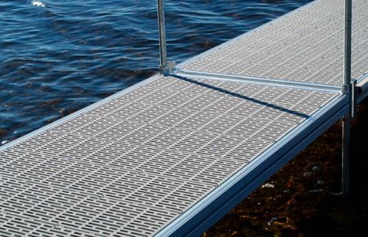Plastic ThruFlow Decking - Dock 52 x 20